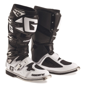 Motorcycle boots SG 12 by Gaerne